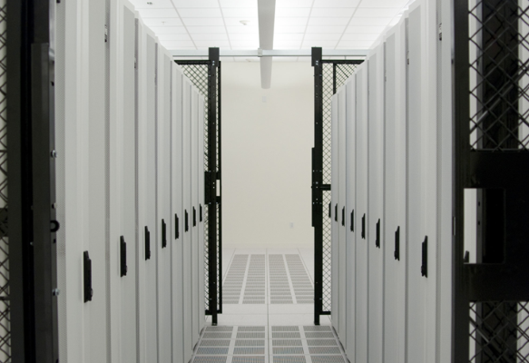 colocation_data_center_cabinets.png